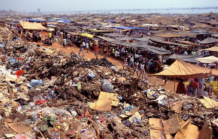 Slum v Angole