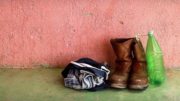 Osobní věci patřící jednomu z migrantů v táboře Ciudad Ixtepec, Mexiko 2010.